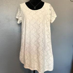 White French Laundry Asymmetrical Lace Top Size 2X